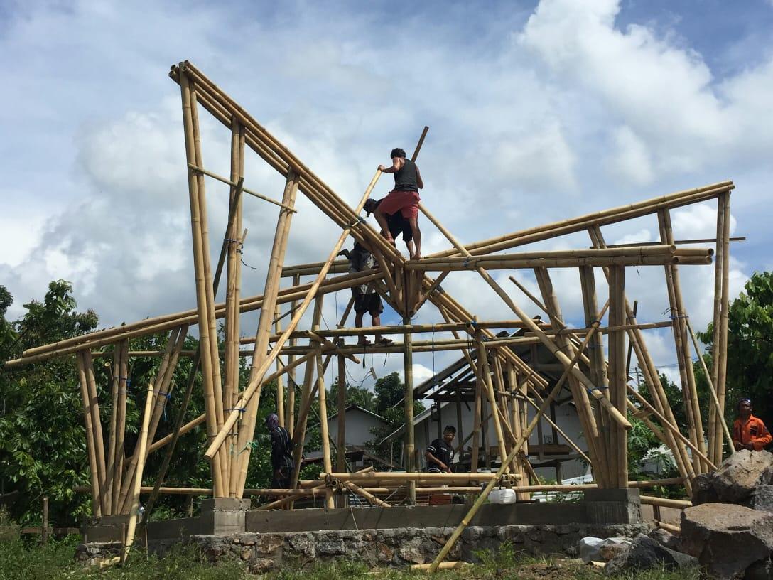 Sekolah-Bambu-Wujud-Kontribusi-ITS-Membangun-Kembali-Lombok