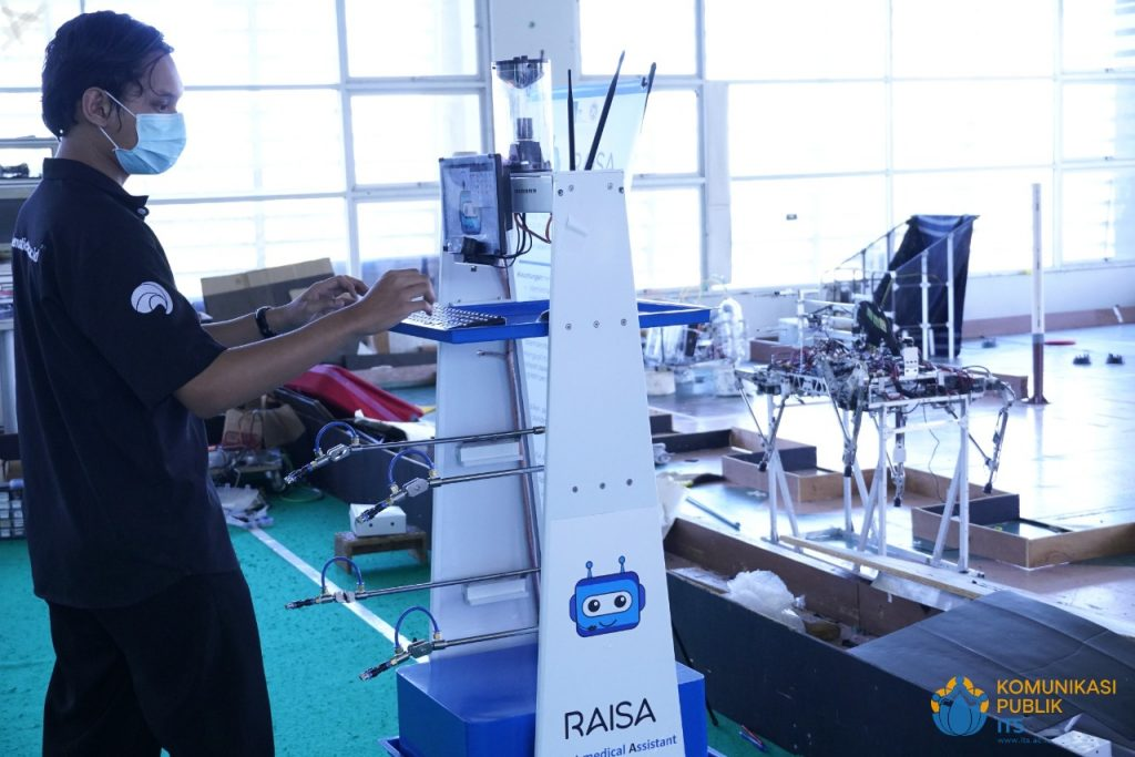 Disinfectant version of the RAISA Robot being tested