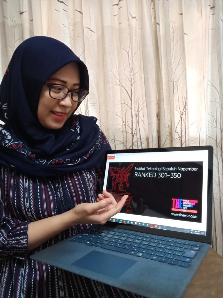 Rulli-Pratiwi-Setiawan-ST-MSc-PhD-saat-menjelaskan-dan-menunjukkan-peringkat-ITS se-Asia-versi-THE-Asia-University-Rankings-2020