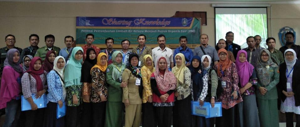 Pelatihan UMKM oleh tim dosen Teknik Kimia ITS mengenai Pemanfaatan Limbah Air Kelapa menjadi Pupuk Organik Cair di Kabupaten Ponorogo pada tahun 2017