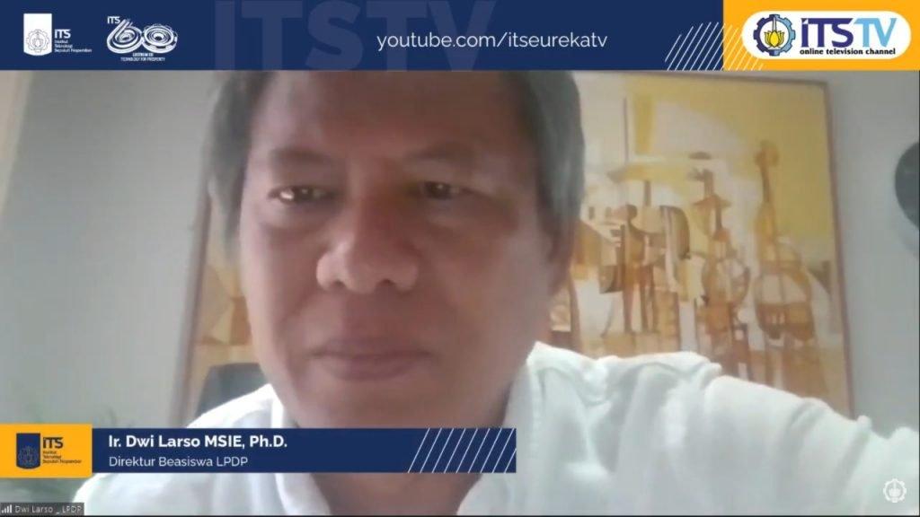 Direktur Beasiswa LPDP Ir Dwi Larso MSIE PhD ketika menyampaikan materi dalam webinar