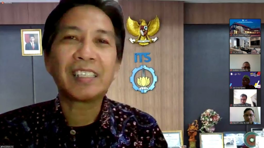 Rektor ITS Prof Dr Ir Mochamad Ashari MEng menyambut baik penandatanganan MoU dengan Pemerintah Kabupaten Tulungagung