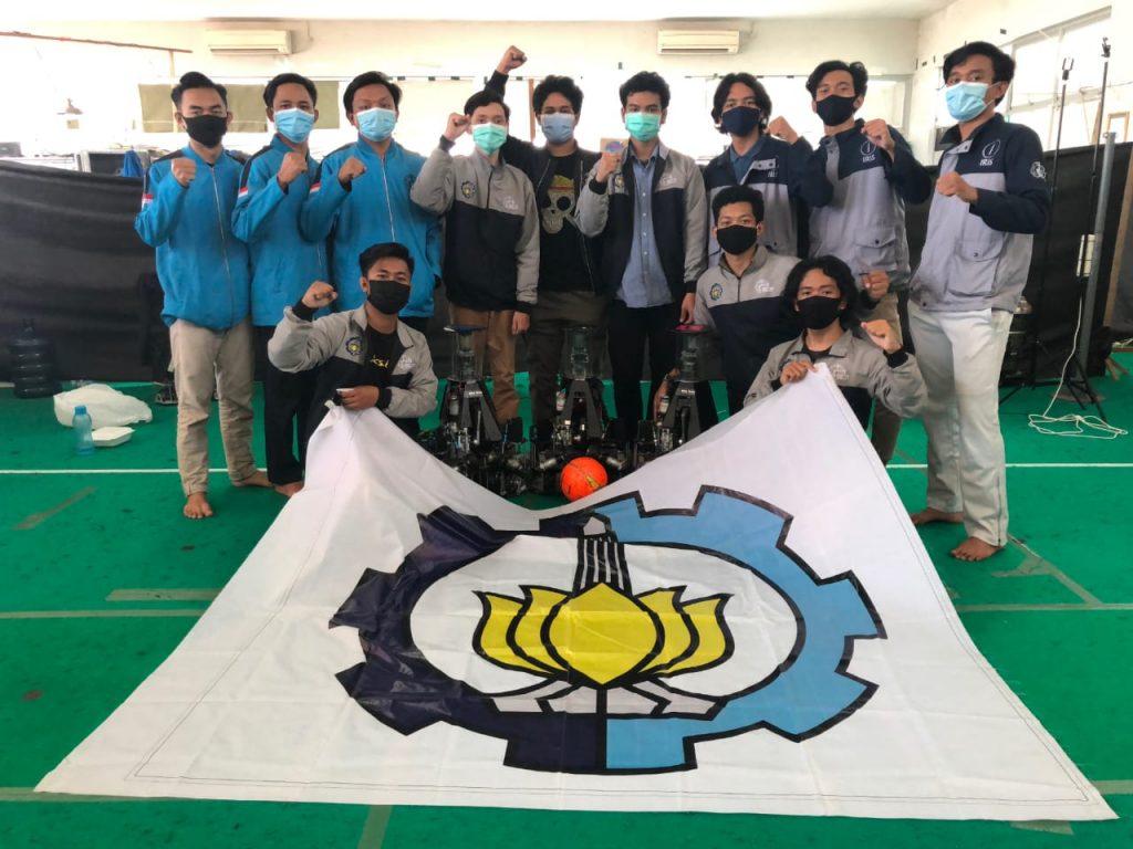 Tim Iris, tim robot Sepak Bola Beroda dari ITS yang juga berjaya di KRI 2020 Regional II