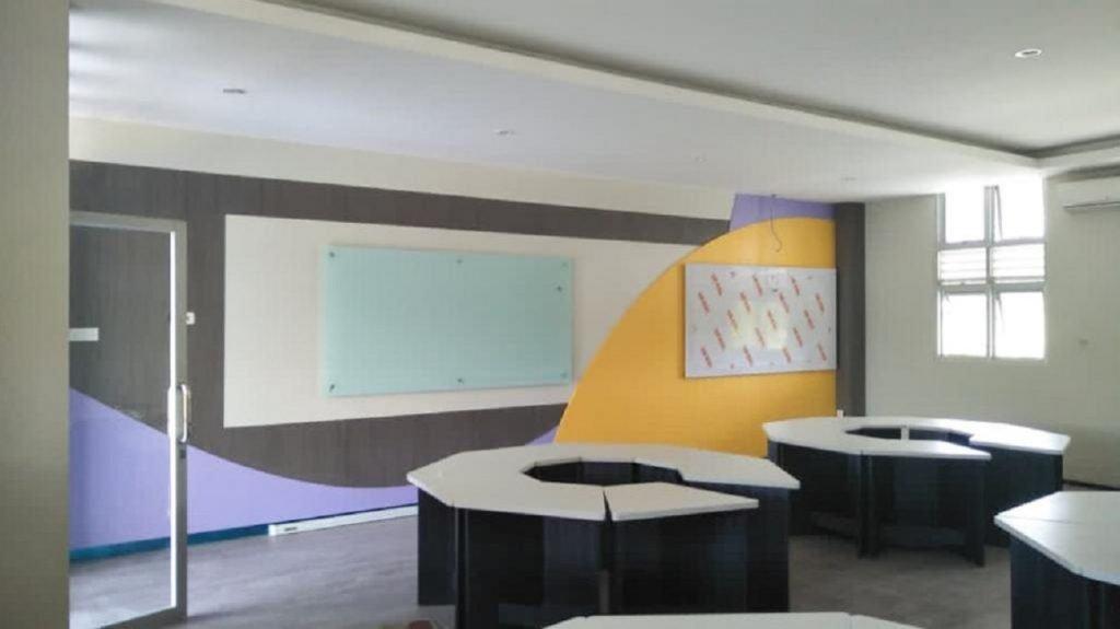 Salah satu bentuk ruangan Smart Classroom yang siap untuk digunakan