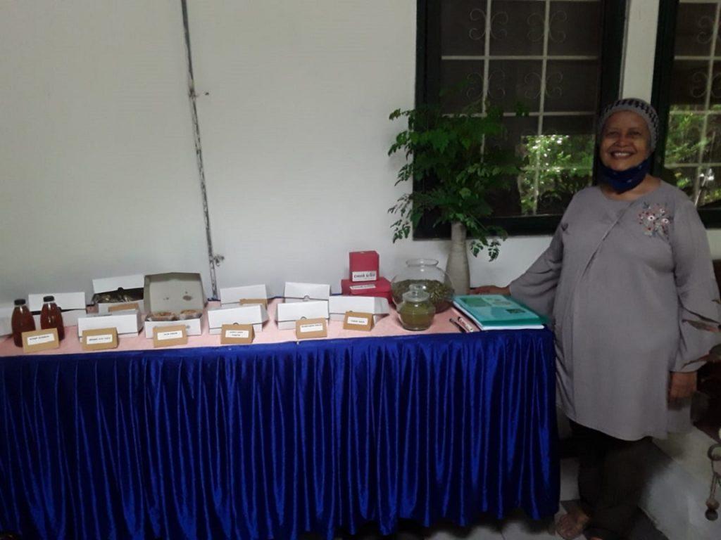 Murtijas Sulistijowati, Penggagas Omah Kelor bersama makanan hasil olahan Omah Kelor