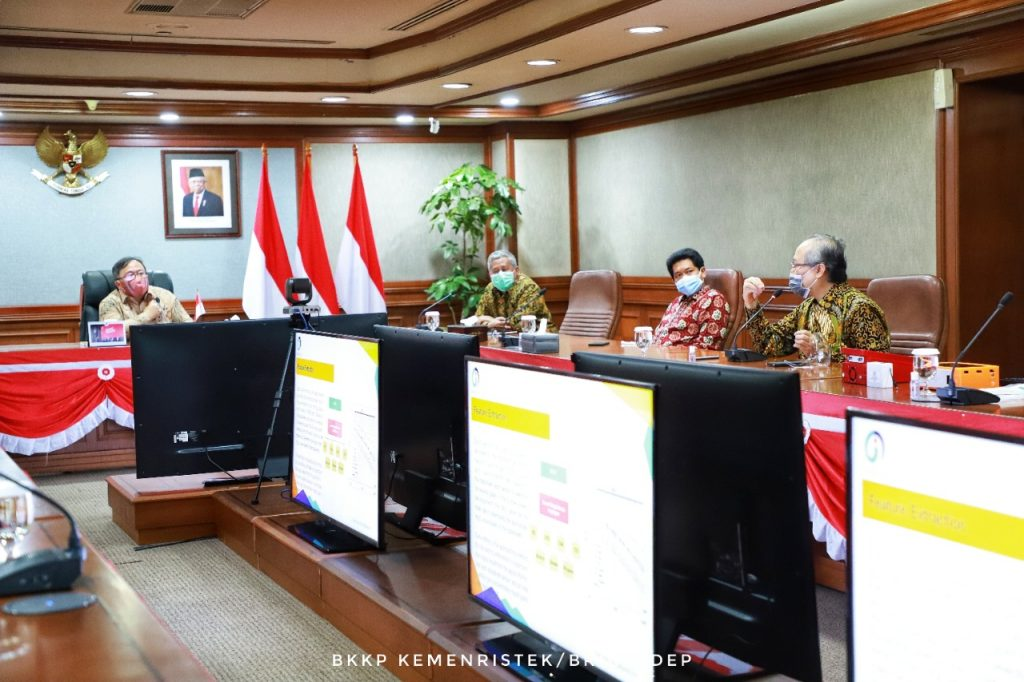 Audiensi Tim Peneliti ITS mengenai produk inovasi i-nose c-19 di hadapan Menristek/Kepala BRIN Prof Bambang Brodjonegoro dan jajaran pimpinan Kemenristek/BRIN di Jakarta