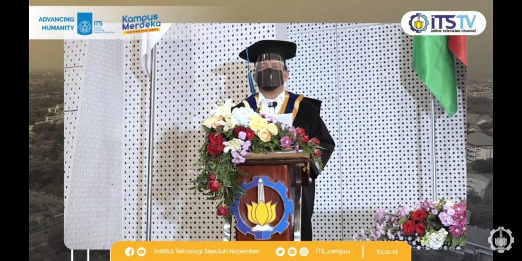 Ketua Dewan Profesor ITS Prof Dr Ir Imam Robandi MT memberikan sambutan dan selamat saat pengukuhan guru besar ITS