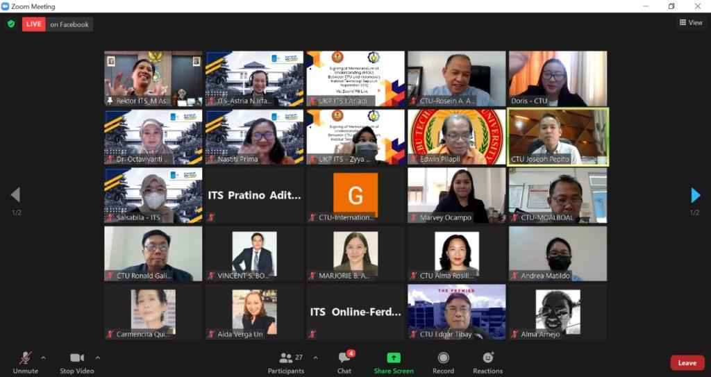 Para undangan dari ITS dan CTU yang mengikuti acara penandatanganan MoU secara daring