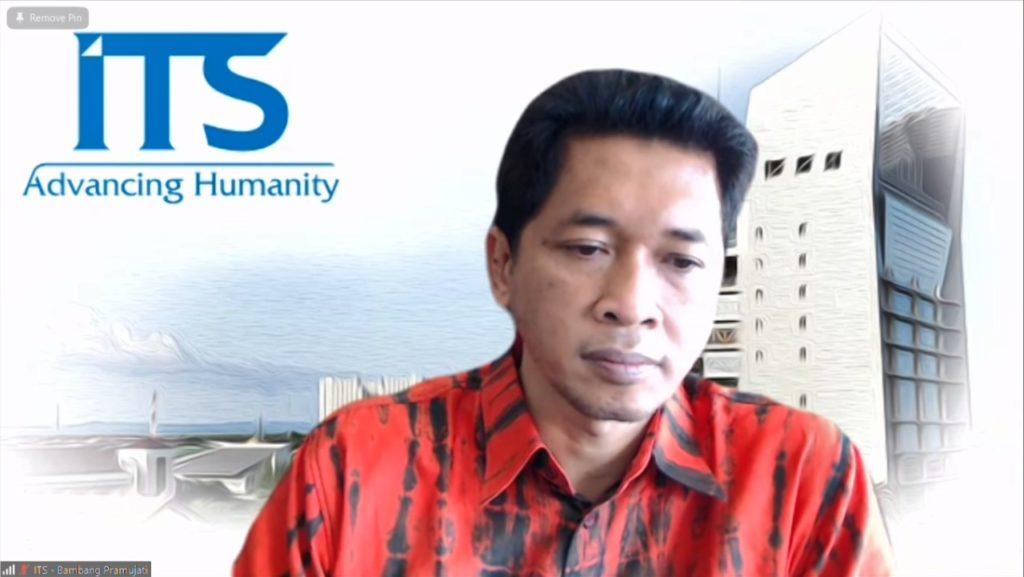 Wakil Rektor IV ITS Bambang Pramujati ST MScEng PhD saat memberikan sambutan secara virtual
