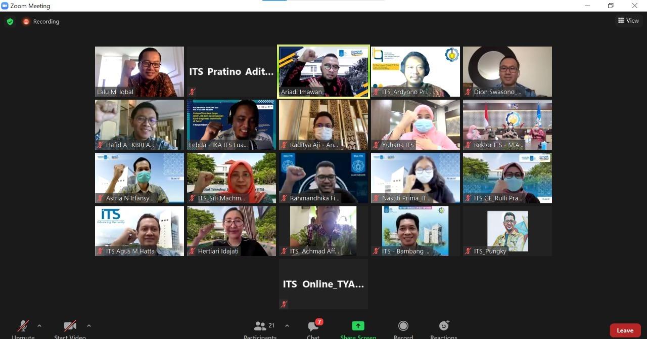 Foto bersama jajaran pimpinan ITS dengan delegasi Kedutaan Besar RI untuk Turki usai diskusi secara virtual