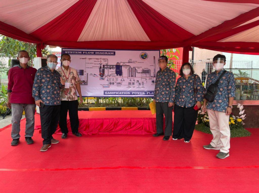 Tim tenaga ahli dari ITS yang berperan di balik beroperasinya PSEL Benowo