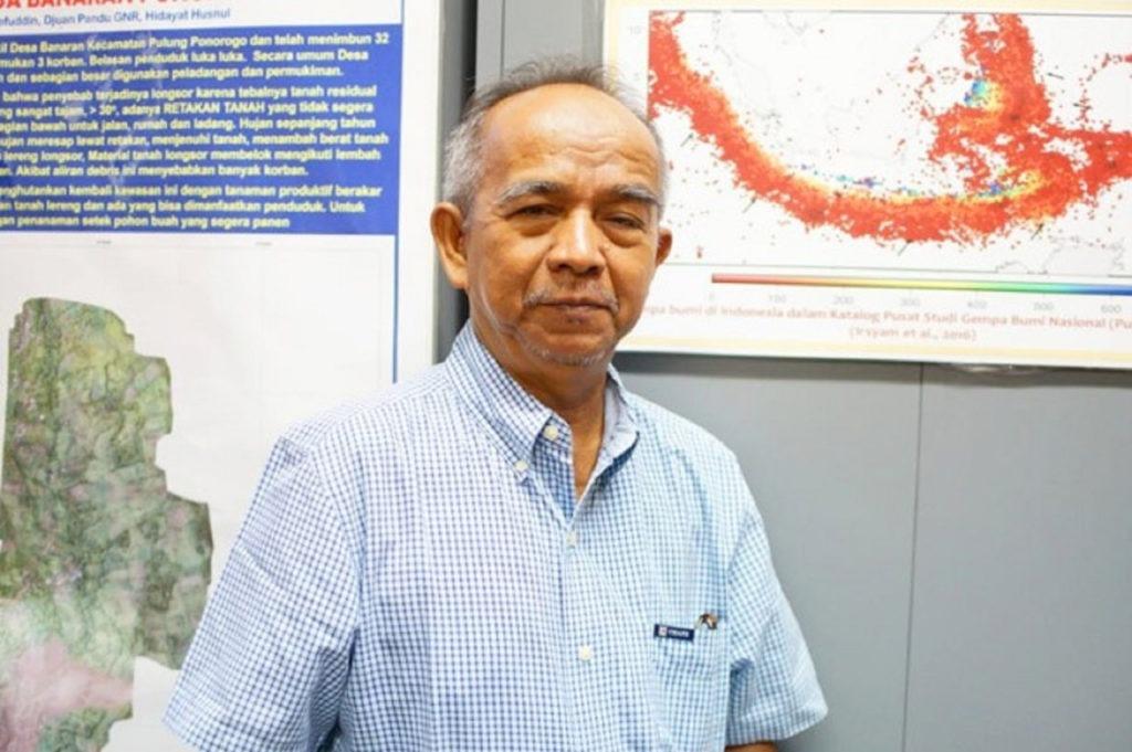 Dr Ir Amien Widodo MSi, dosen Teknik Geofisika ITS, sebagai salah satu anggota tim peneliti instrumen pendeteksi dini tsunami