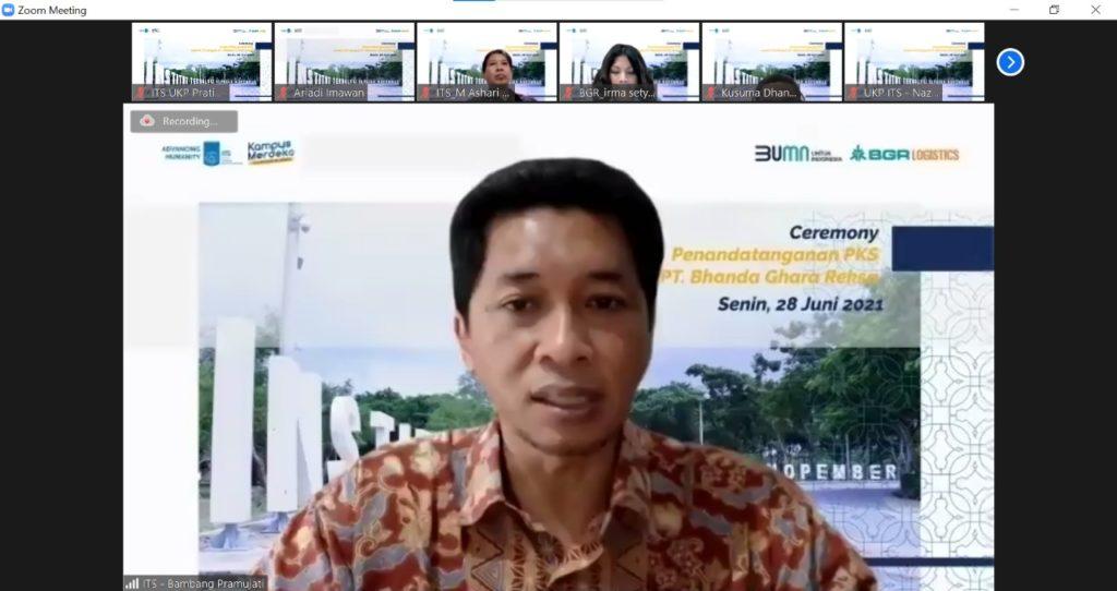 Wakil Rektor IV ITS Bambang Pramujati ST MSc Eng PhD memaparkan rencana eksekusi program kerja sama antara ITS dan PT BGR