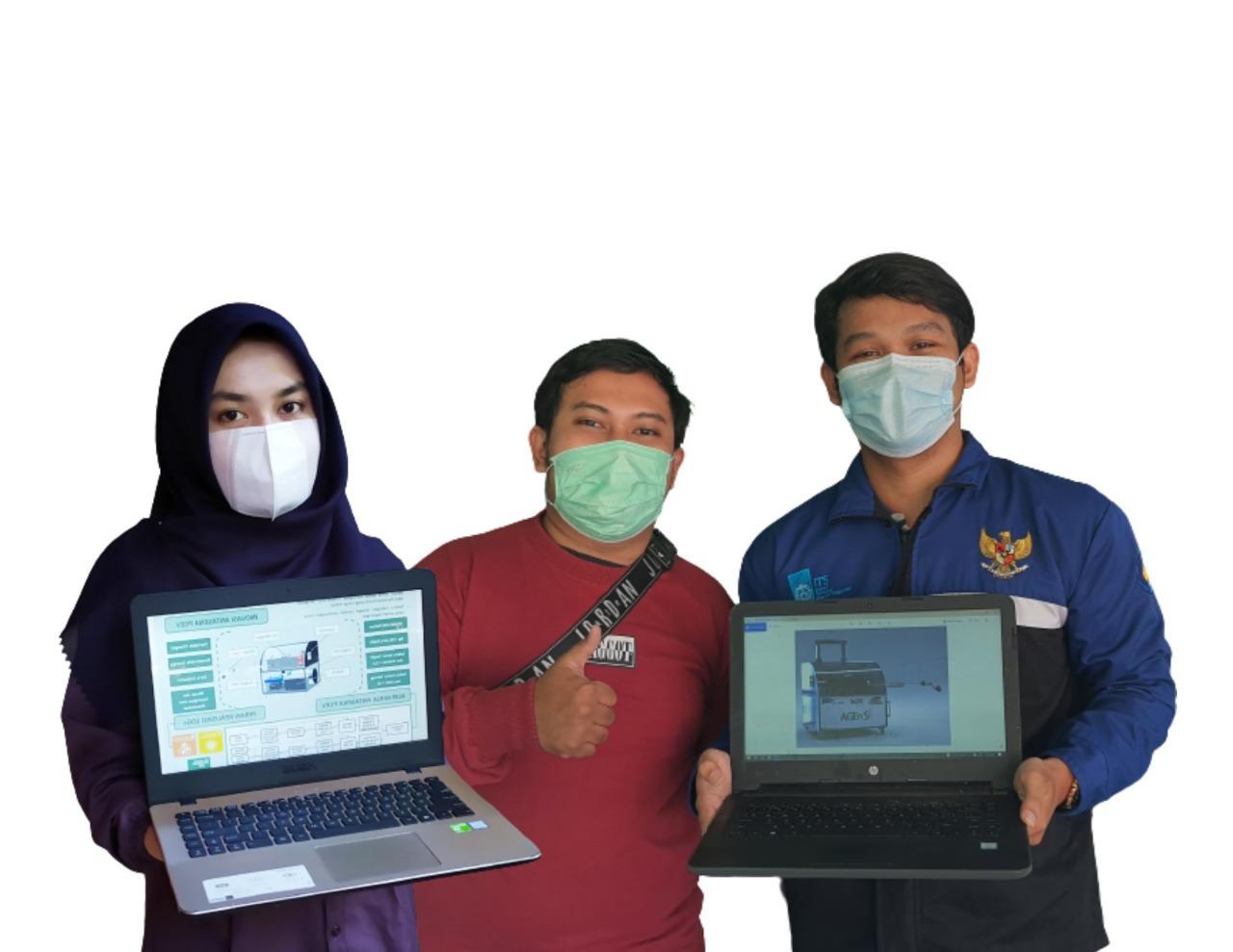 (dari kiri) Risa Wahyu Widyastuti, Rikza Octavian Pratama, dan Ibrahim Fathahillah Hizbul Islam yang tergabung dalam tim Antasena PCEV