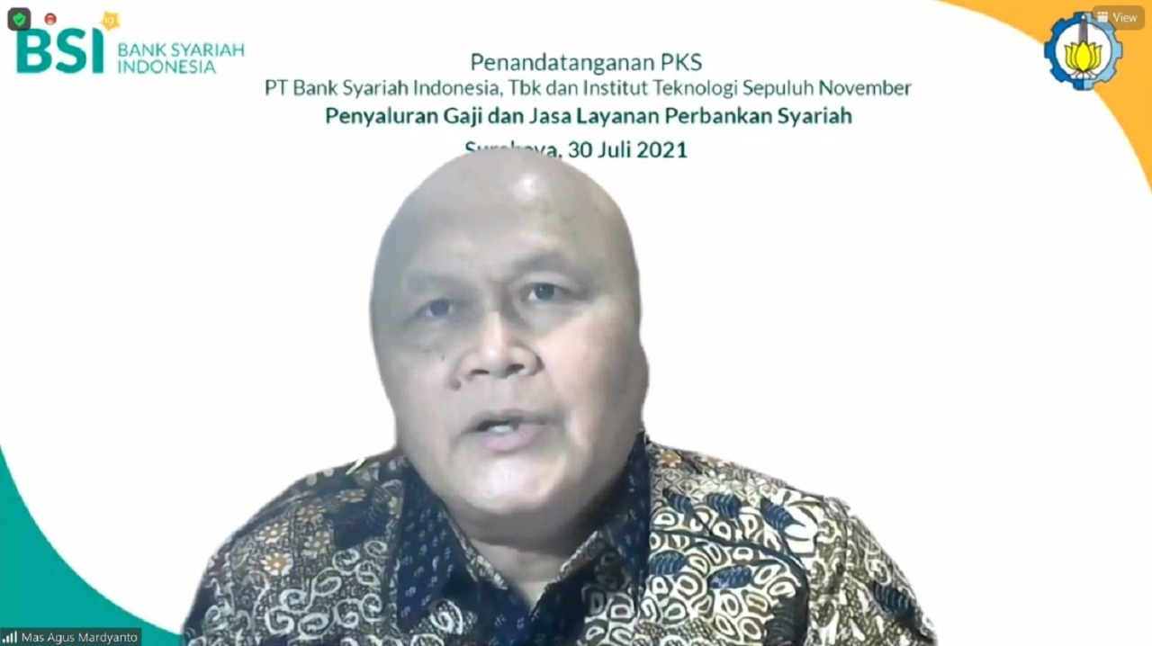 ITS Vice Rector II Ir Mas Agus Mardyanto ME PhD gave his speech at the signing of the PKS between ITS and Bank Syariah Indonesia (BSI)