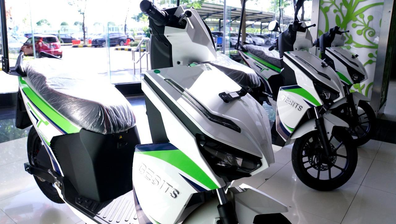 Penampilan sepeda motor GESITS yang didesain khusus untuk Terminal Teluk Lamong