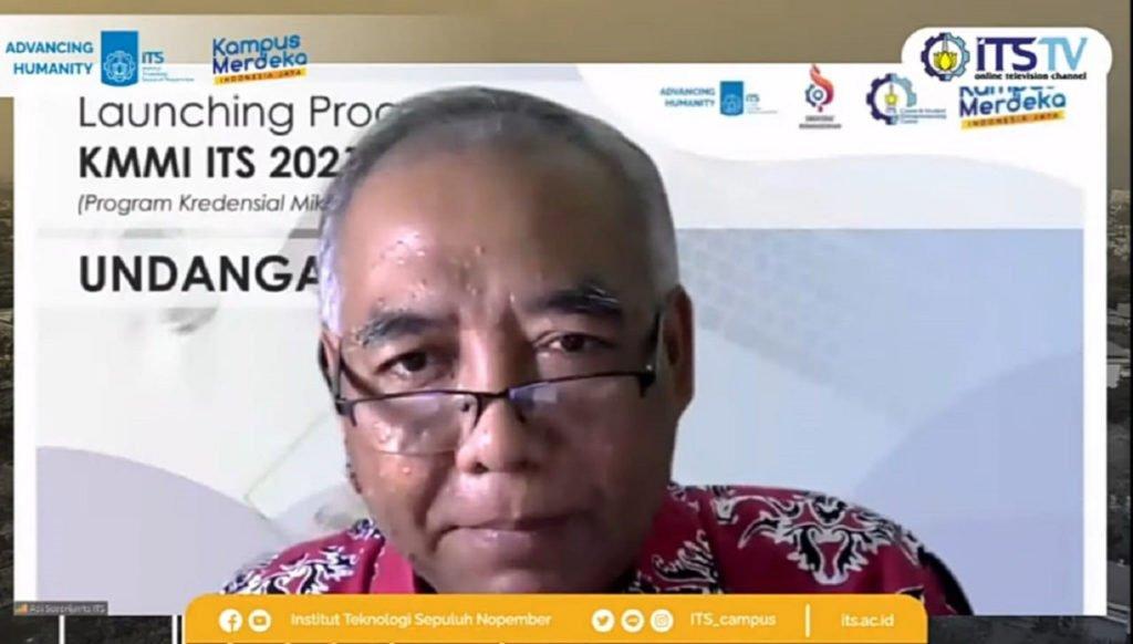 Wakil Rektor I ITS sekaligus Kepala Penanggungjawab KMMI untuk ITS Prof Dr Ir Adi Soeprijanto MT saat menyampaikan laporan pertanggungjawaban KMMI ITS 2021