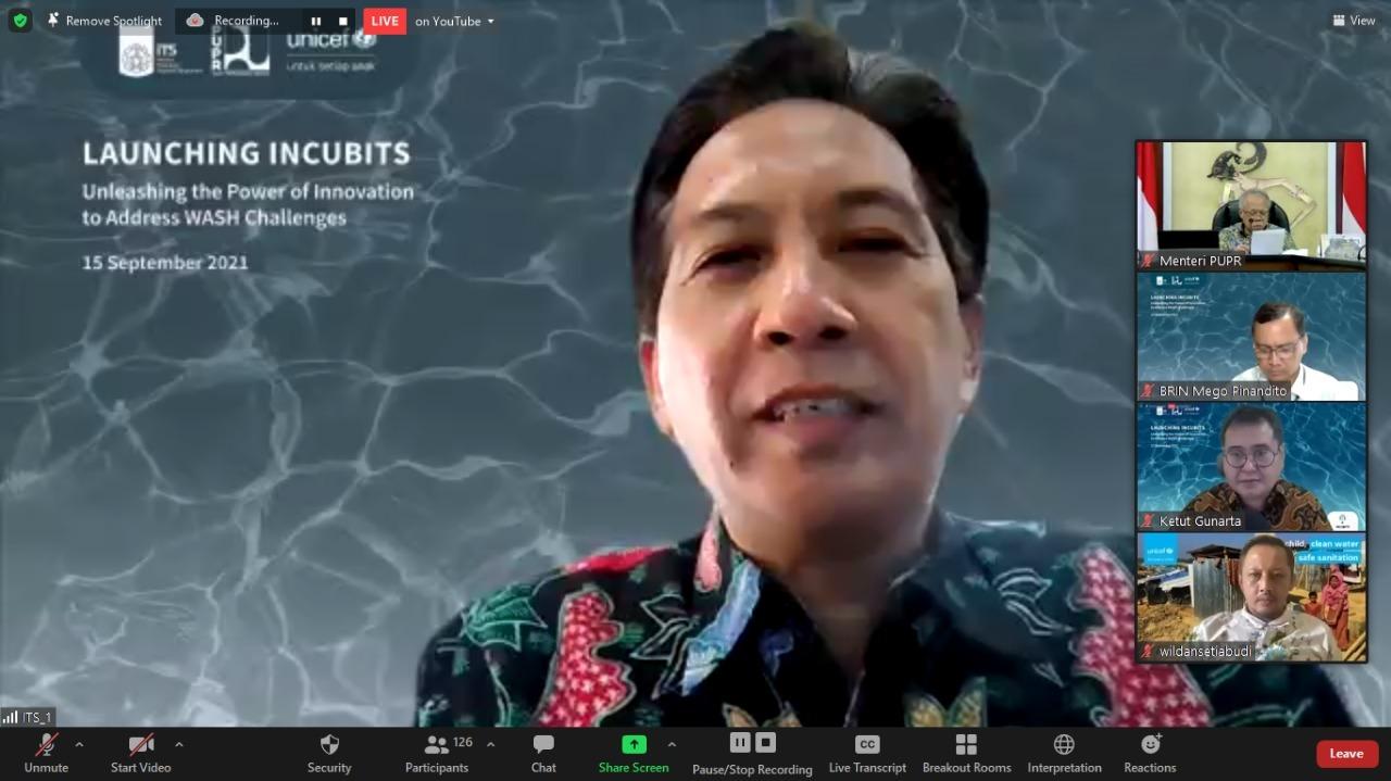 Rektor ITS Prof Dr Ir Mochamad Ashari MEng saat memberi sambutan di acara peluncuran Incubits secara virtual